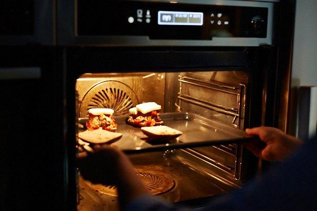 Шеф дома: Смэш-бургер и хиро-сэндвич Федора Тардатьяна. Изображение № 34.