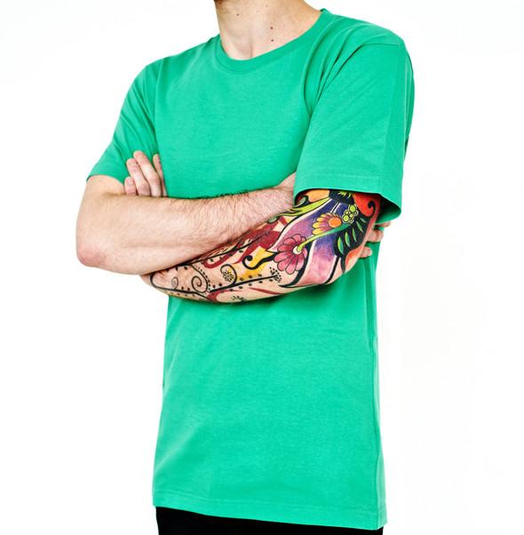 Вещи недели: 10 ярких футболок. Изображение № 10.