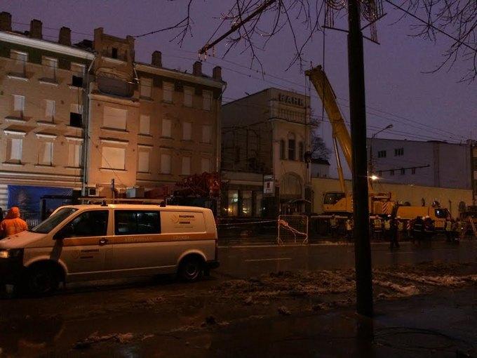 Движение по Каретному Ряду ограничено из-за рухнувшего здания (обновлено). Изображение № 2.