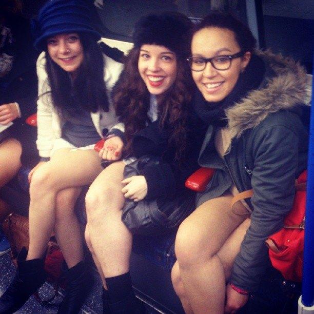 Флешмоб «В метро без штанов» в снимках Instagram. Изображение № 21.