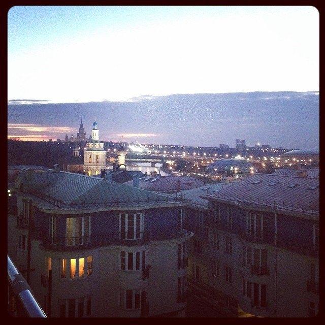 Акция «Час Земли» вМоскве вснимках Instagram. Изображение № 1.