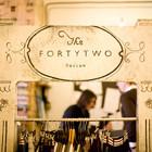 6 офисов брендов одежды: Adidas, Denis Simachev, Fortytwo, Kira Plastinina, Cara &Co, Катя Dobrяkova. Изображение № 7.