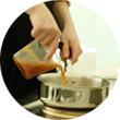 Omnivore Food Festival: Майкл Гринвольд и Симоне Тондо готовят орзотто из ячменя и тартар из голубя. Изображение № 35.