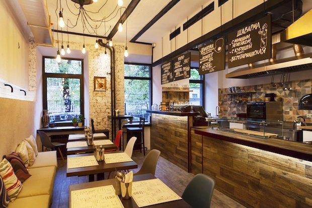 Бары Nude.Coffe & Wine и The Boх, магазин продуктов «Точка I Калашный, 9», кафе Laffa Laffa. Изображение № 2.