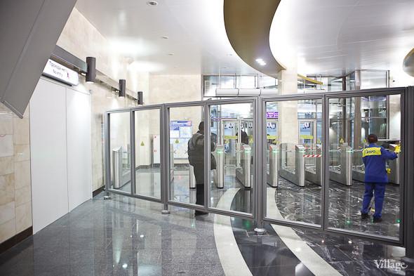 На новой станции метро «Адмиралтейская» уже произошло несколько аварийных остановок эскалатора. Изображение № 7.