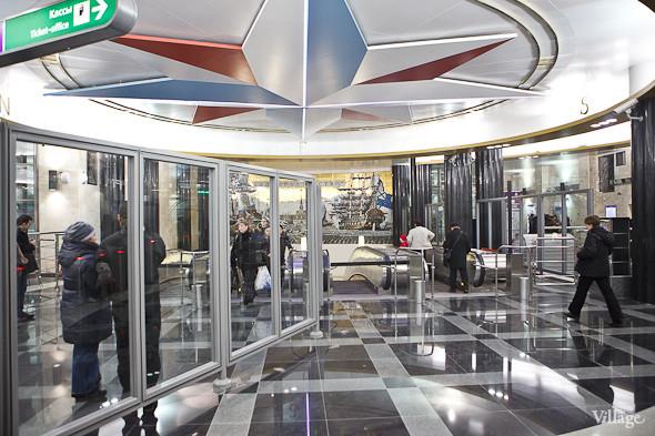 На новой станции метро «Адмиралтейская» уже произошло несколько аварийных остановок эскалатора. Изображение № 8.