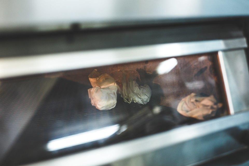 Производственный процесс: Как готовят кошерный хлеб. Изображение № 19.