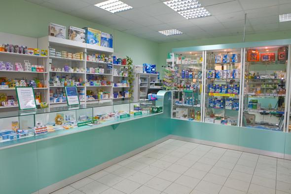 Московские аптеки запретят украшать. Изображение № 1.