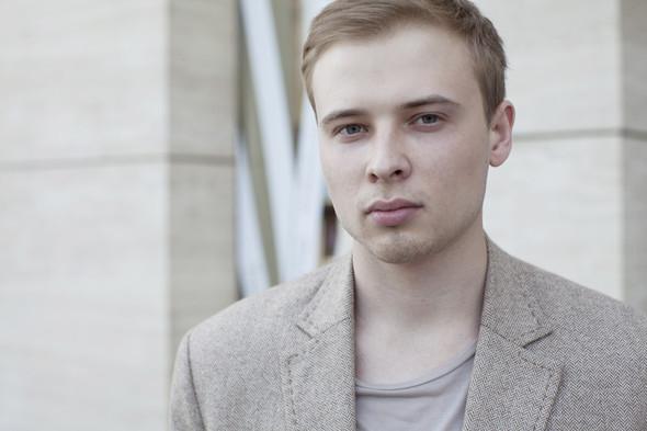 Внешний вид: Сергей Сурков, стилист. Изображение № 7.