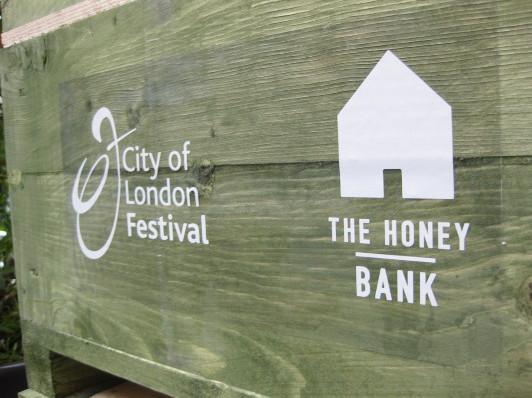 Как у них: «Городские пчёлы» в Лондоне. Изображение № 19.