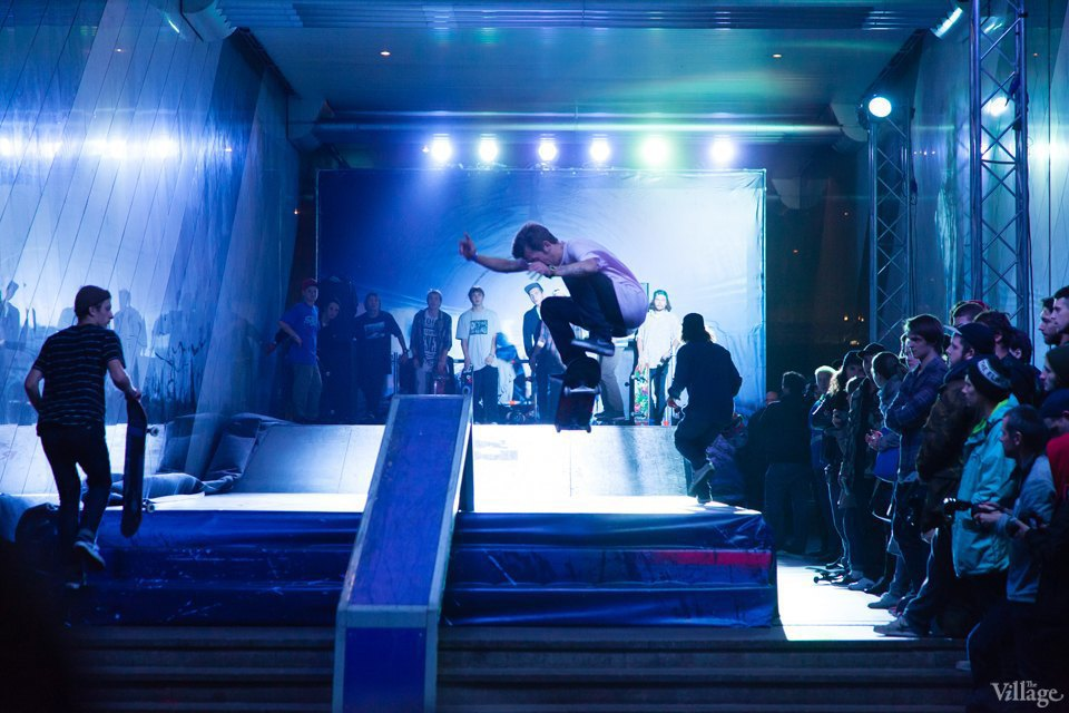 Фото ночи: Скейтерский чемпионат в метро. Изображение № 9.