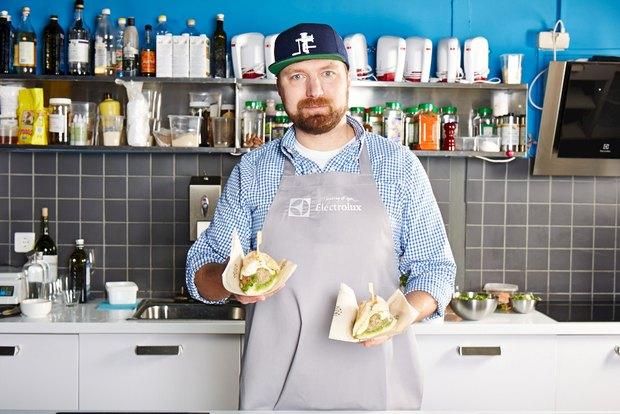 Шеф дома: Смэш-бургер и хиро-сэндвич Федора Тардатьяна. Изображение № 2.