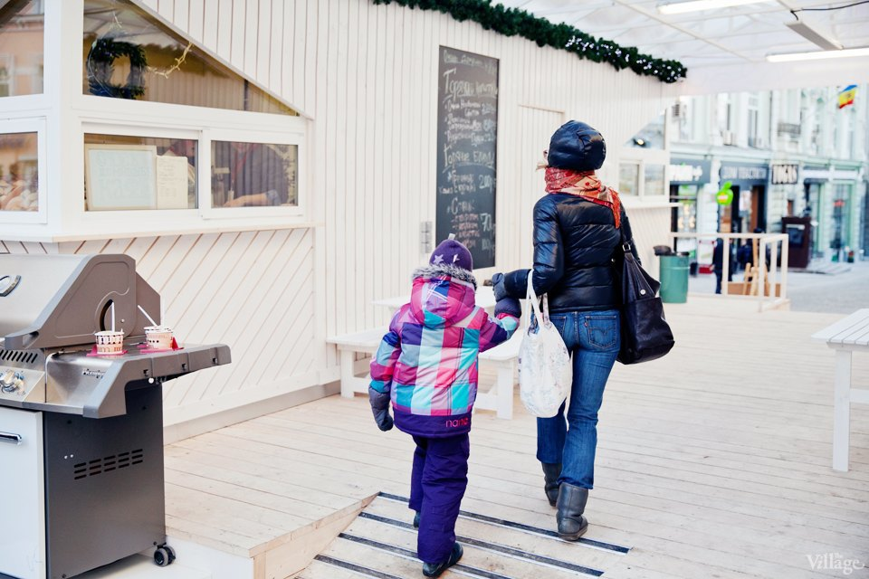 Фоторепортаж: «Тёплые места» в пешеходных зонах. Изображение № 11.
