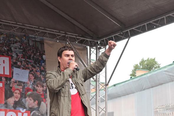 Фоторепортаж (Петербург): Митинг и шествие оппозиции в День России . Изображение № 16.