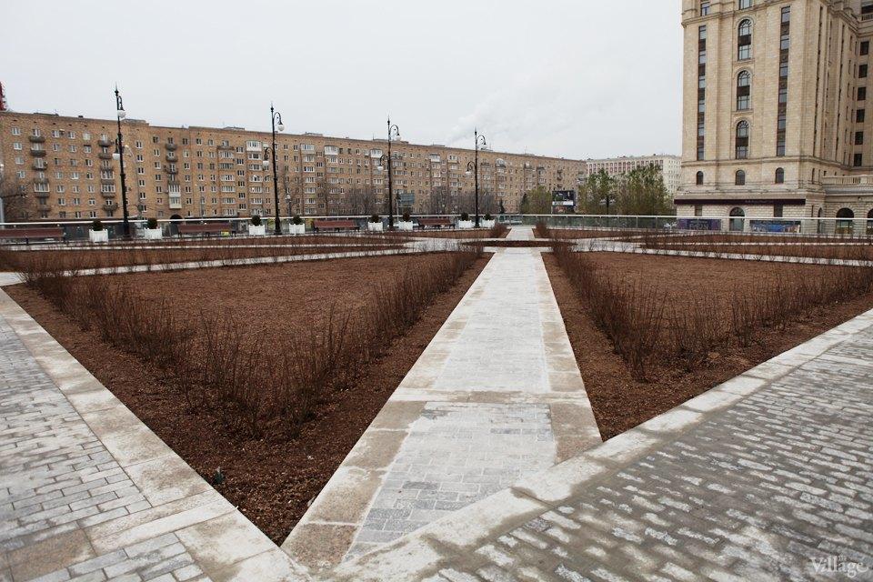 Фоторепортаж: Сквер угостиницы «Украина». Изображение № 4.