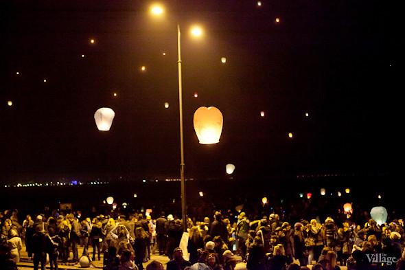 Фоторепортаж: Флешмоб с китайскими фонариками. Изображение № 14.
