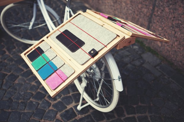 В городе заработала велолавка с сувенирами и туристическими картами. Изображение № 4.