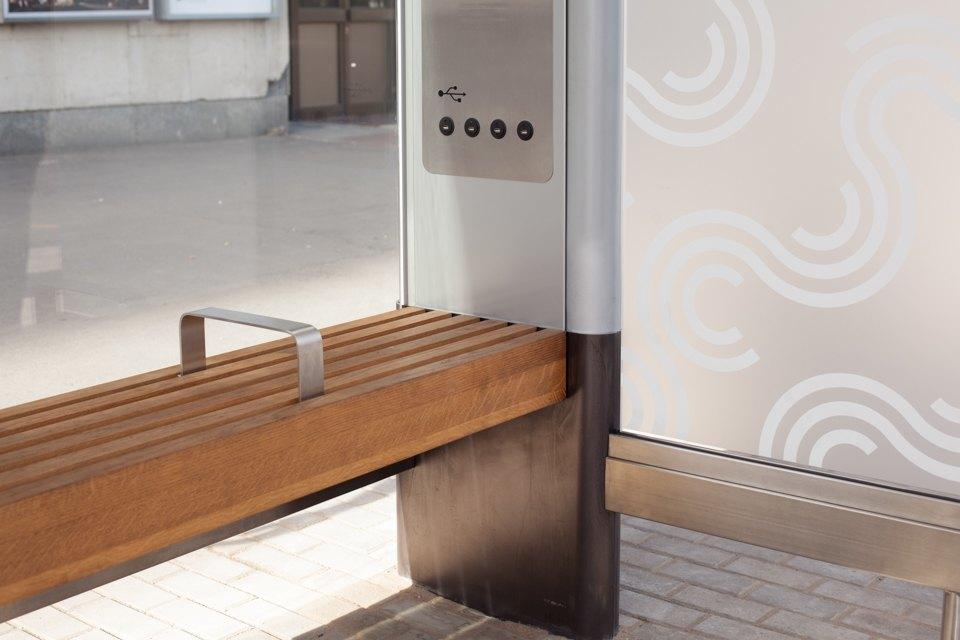 Wi-Fi, USB-порты и автомат попродаже билетов — вМоскве открыли современную остановку транспорта. Изображение № 11.