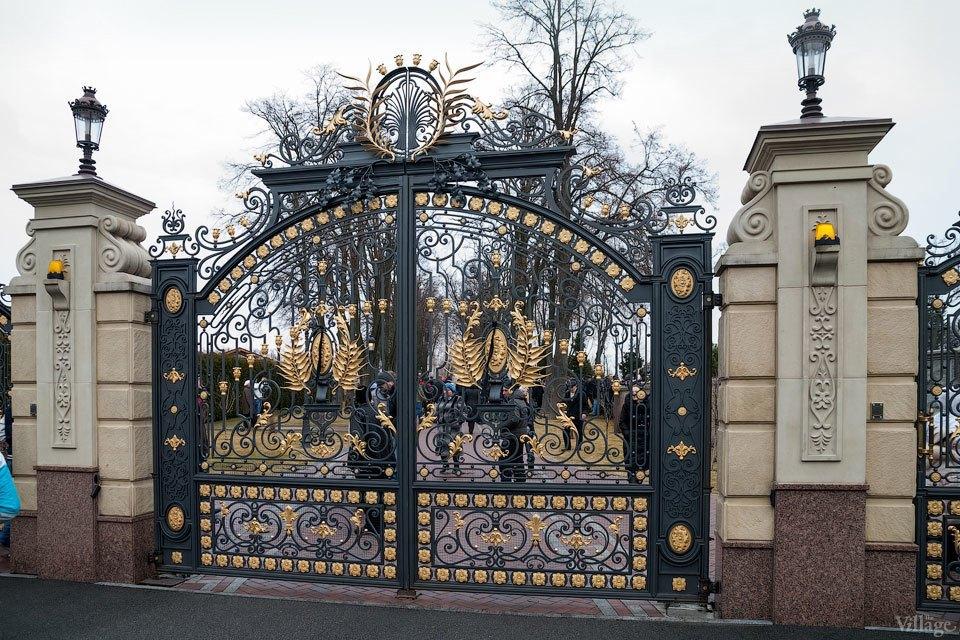 Народное движение: За чем едут в резиденцию Виктора Януковича. Изображение № 4.