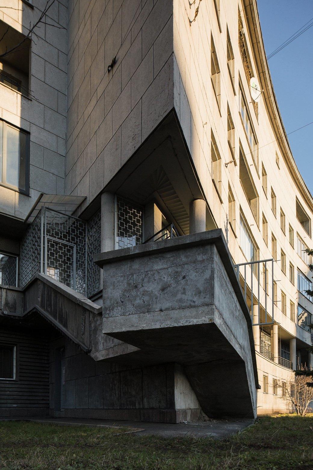 Яживу вдоме Ленсовета наКарповке (Петербург). Изображение № 5.