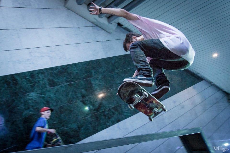 Фото ночи: Скейтерский чемпионат в метро. Изображение № 10.