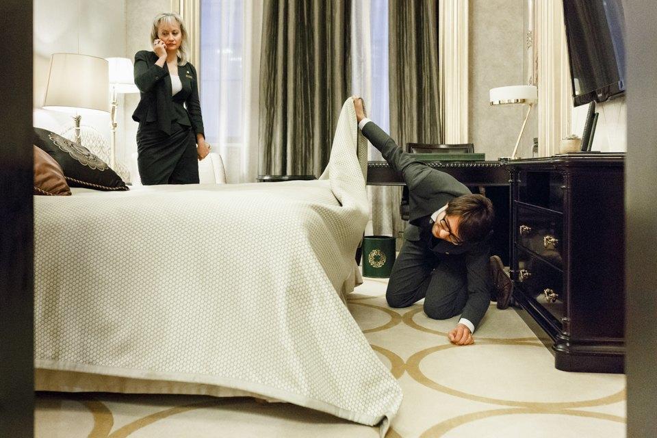 «Это новая спецслужба»: Корреспондент TheVillage пробует себя вроли дворецкого. Изображение № 8.