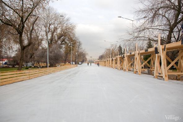 В парке Горького залили каток. Изображение № 10.