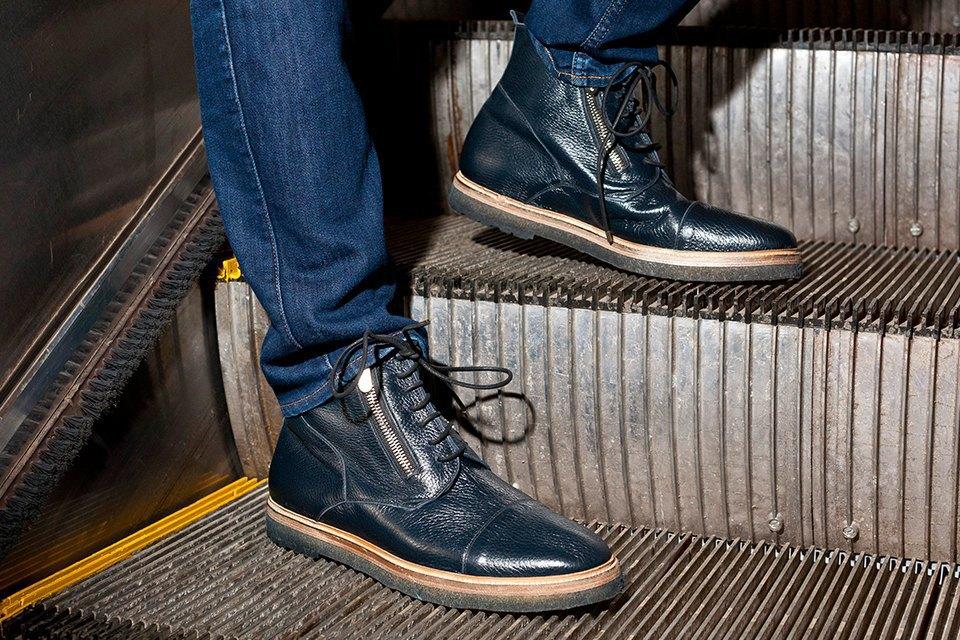 Вещи недели: 11 пар обуви на зиму. Изображение № 2.