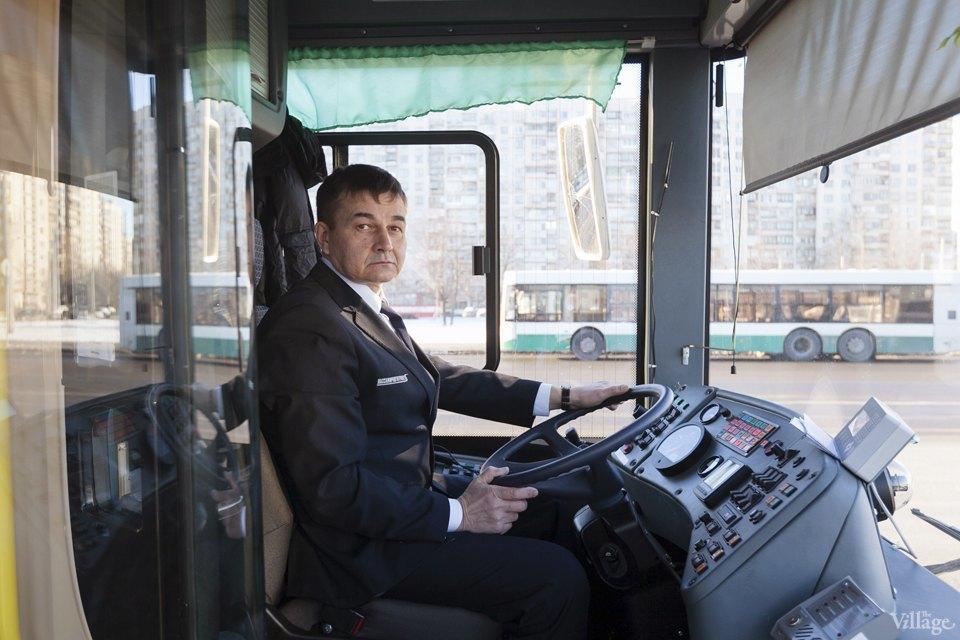 Люди в форме: Водители автобусов — о работе в деловых костюмах. Изображение № 3.