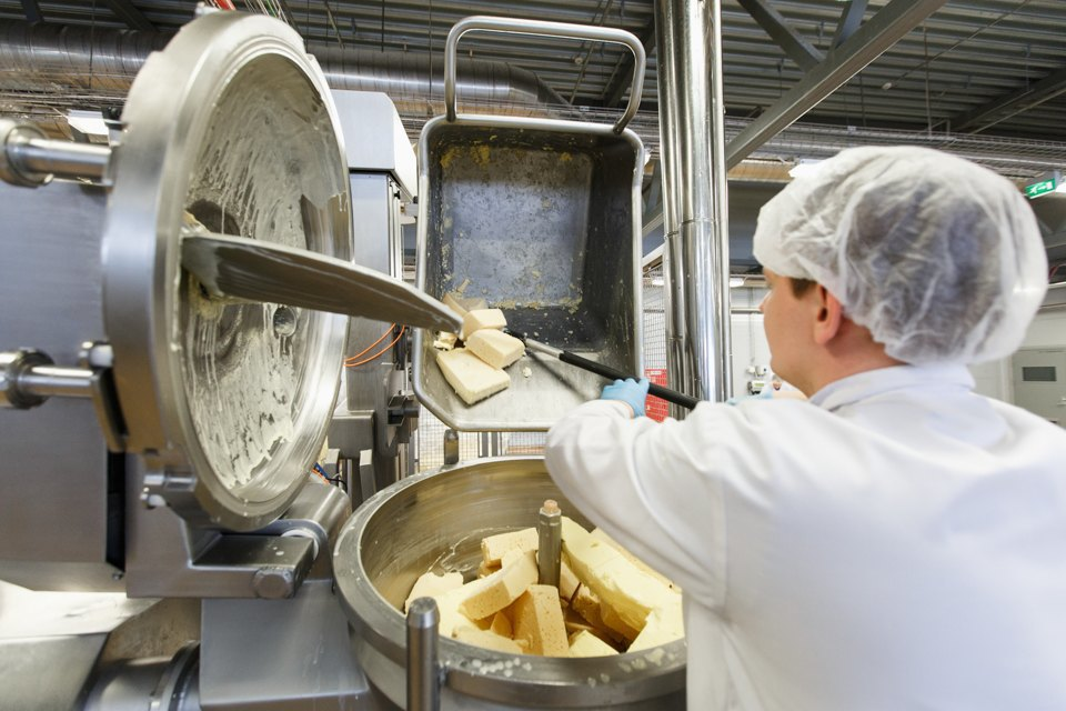 Как делают плавленый сыр. Изображение № 14.