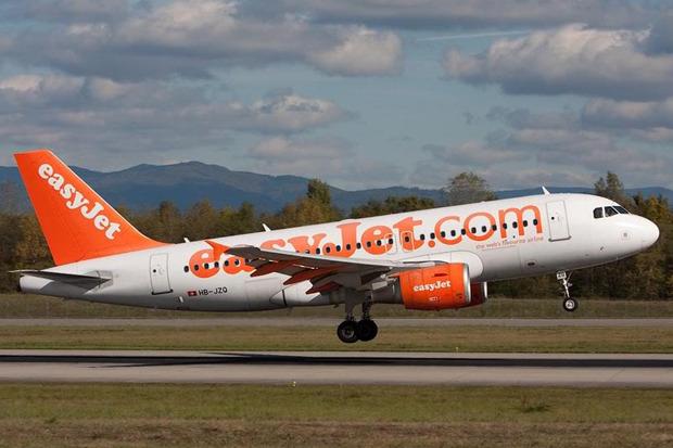 Самолёт Airbus A320 авиакомпании EasyJet. Изображение № 1.