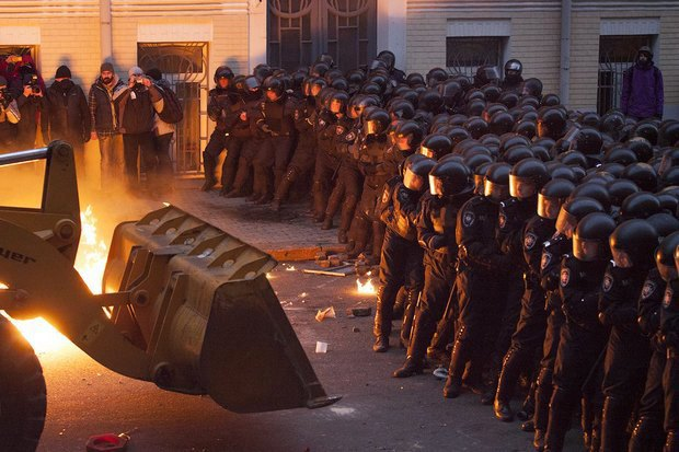 Работа со вспышкой: Фотографы — о съёмке на «Евромайдане». Изображение № 18.
