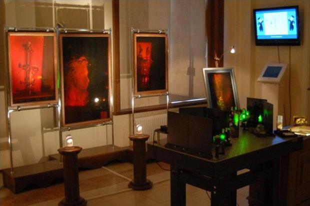 Зал голографии Музея оптики. Изображение № 6.