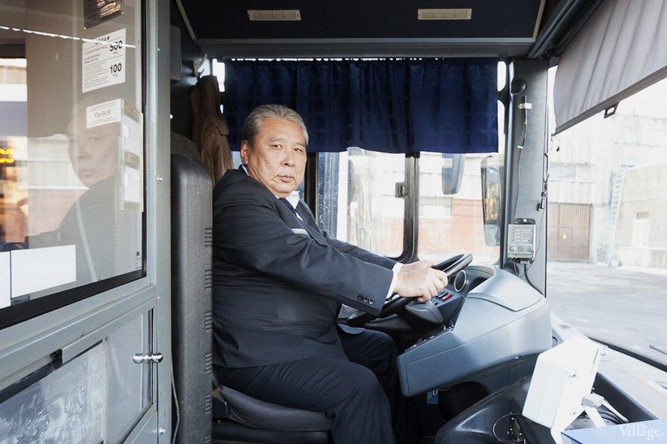 Люди в форме: Водители автобусов — о работе в деловых костюмах. Изображение № 5.