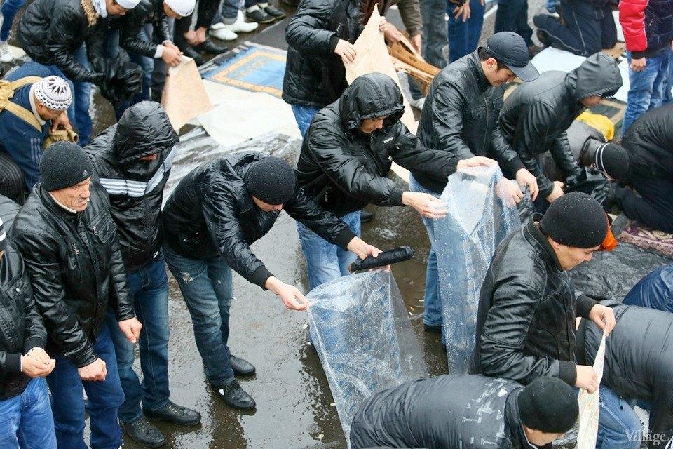 Люди в городе: Как отмечали Курбан-байрам в Москве и Петербурге. Изображение № 21.