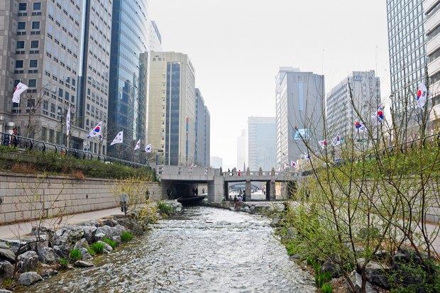 Иностранный опыт: Раскопанная река в Сеуле. Изображение № 14.