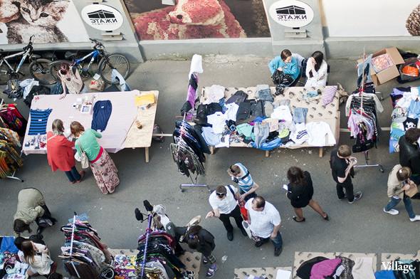Фоторепортаж: Люди, покупки и опасные отходы на Garage Sale. Изображение № 19.
