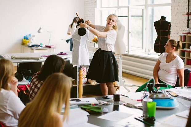 Онлайн курсы дизайна одежды бесплатно