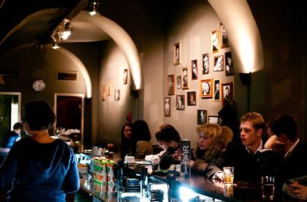 Дожить до рассвета: Бары и клубы Петербурга в новогоднюю ночь. Изображение № 74.