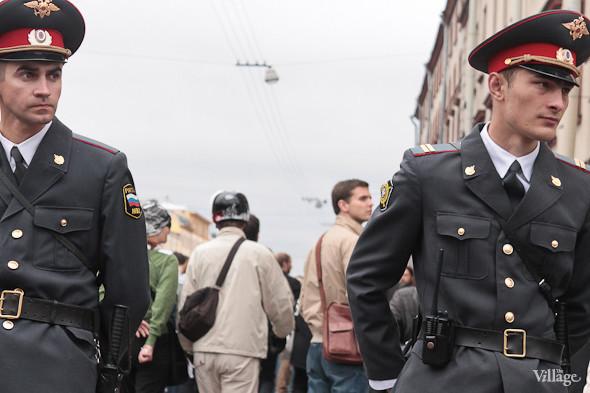 Фоторепортаж (Петербург): Митинг и шествие оппозиции в День России . Изображение № 36.