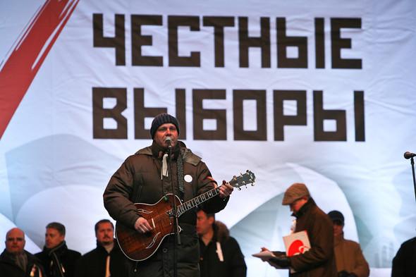 Митинг «За честные выборы» на проспекте Сахарова: Фоторепортаж, пожелания москвичей и соцопрос. Изображение № 26.