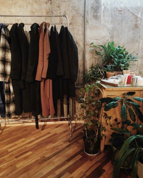 Марка «Уста кустам» открыла новый магазин вПетербурге. Изображение № 3.