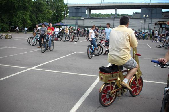 Велопарад Let's bike it!: Чего не хватает велосипедистам в городе. Изображение № 6.