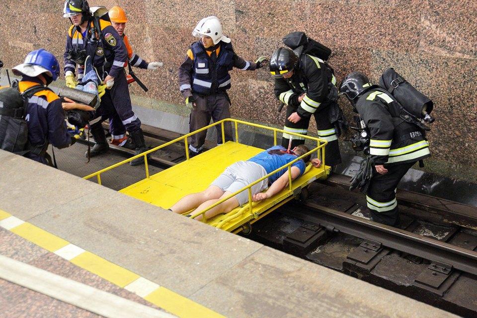 Учения в петербургском метро по сценарию московской катастрофы. Изображение № 21.
