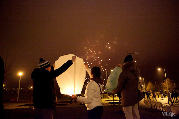 Фоторепортаж: Флешмоб с китайскими фонариками. Изображение № 4.