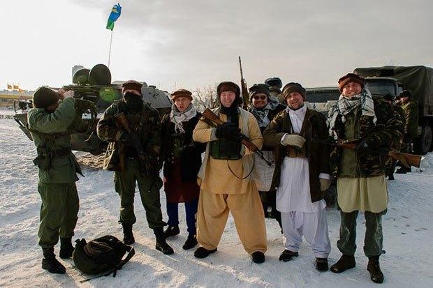 В Петербурге реконструируют битву Афганской войны с БТР и конными караванами. Изображение № 1.