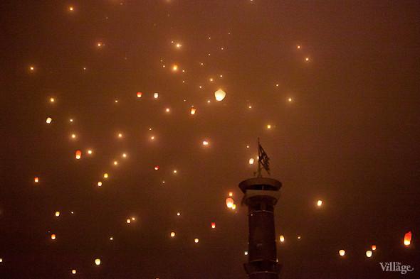 Фоторепортаж: Флешмоб с китайскими фонариками. Изображение № 9.