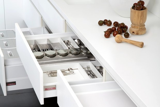 Как преобразить квартиру при помощи встроенной мебели. Изображение № 2.