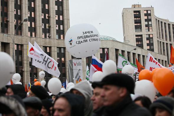 Митинг «За честные выборы» на проспекте Сахарова: Фоторепортаж, пожелания москвичей и соцопрос. Изображение № 34.