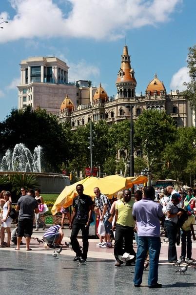 Площадь Каталонии. Изображение № 3.